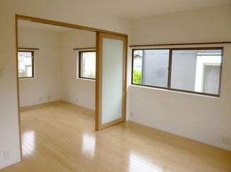 増改築リフォーム 引き戸を使って一部屋にも二部屋にもなる洋室に