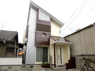 外壁・屋根リフォーム 寒色から暖色に塗り替えてお家のイメージチェンジ