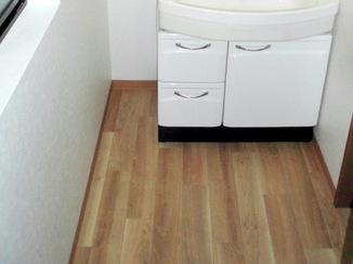洗面リフォーム 洗面室を入浴前に利用する更衣室へリフォーム