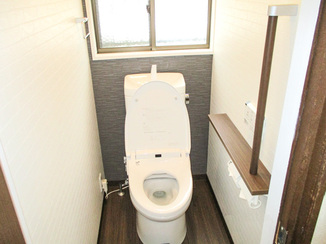 トイレリフォーム 足をいためたお客様も安心して使用できるトイレ