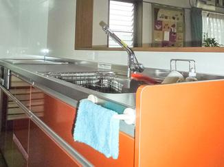 キッチンリフォーム シンクにこだわりながら、よりスリムなキッチン