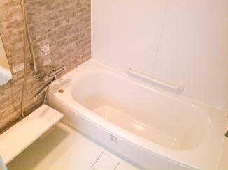 バスルームリフォーム お風呂と洗面を分割し利便性アップ