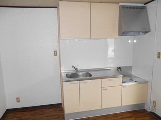 キッチンリフォーム コストをかけず、明るい空間を演出するキッチンに